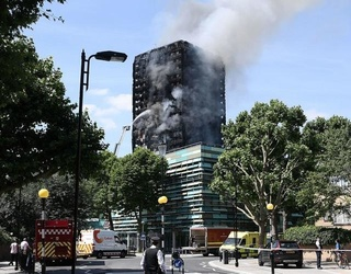 """Grenfell Tower Fire: London Inferno Described Like """"Hell on Earth"""""""