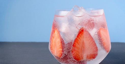 10 LaCroix Cocktails & Mocktails to Sip on This Summer