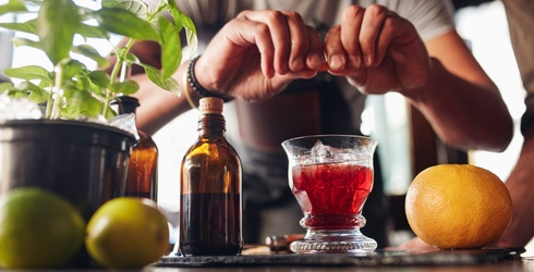 8 Drinks That Every Adult Should Know How to Make