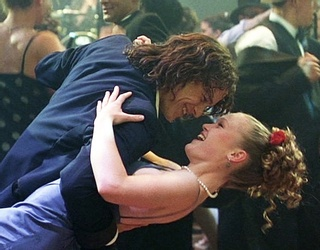 """Travel Back in Time With Joseph Gordon-Levitt and This """"10 Things I Hate About You"""" Puzzle"""