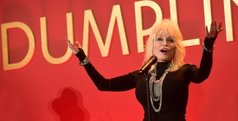 Dolly Parton Is Going After Her First Oscar by Working With a Story That Idolizes Her