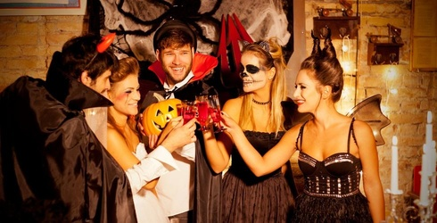 If Adult Trick-or-Treating Were Socially Acceptable, Here's What We'd Want