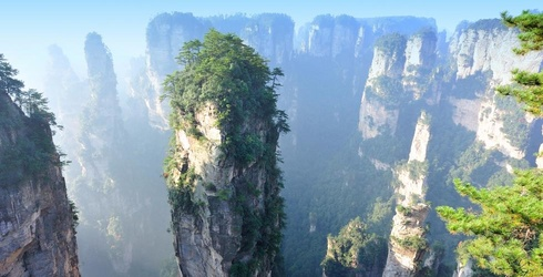 """The Hallelujah Mountains from """"Avatar"""" Are Based on a Real National Park in China and I Just Booked a Flight"""