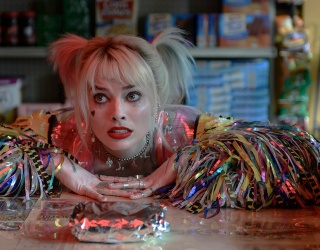 """Be in the Know: Test Your Knowledge of """"Birds of Prey"""" Star Harley Quinn"""