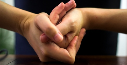 Myth Mayhem: Does Knuckle-Cracking Cause Arthritis?
