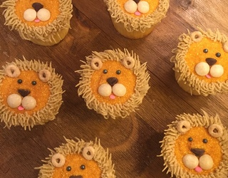 How to Decorate Lion Cupcakes That Your Kids Will Rawr For
