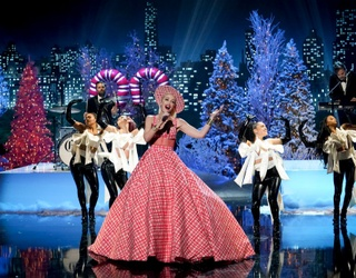 Gwen Came to Sleigh at the Rockefeller Tree Lighting Ceremony