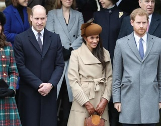 Royal Christmas: Meghan Markle's Hat! Curtsies! The Queen's Interesting Outfit!