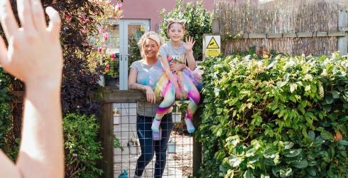 Good News Round-Up: Doing the Neighborly Thing