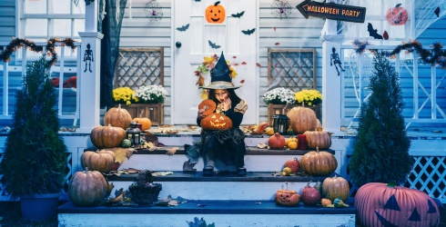 A Housebound Halloween Isn't so Bad When Your Decor Is as Spooky as These Matching Photos