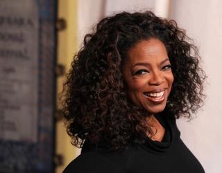 Oprah Winfrey Is Twitter's Christmas Angel This Holiday Season