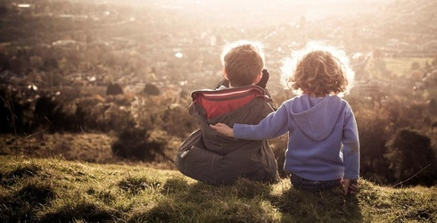 First-Born Children Are Better Thinkers Than Their Siblings, Study Says