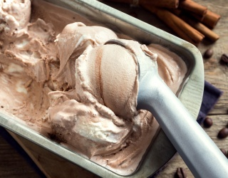 Easy Ways to Make Homemade Ice Cream Without an Ice Cream Maker