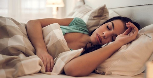 Could a Weighted Blanket Be the Cure for Your Nighttime Insomnia?