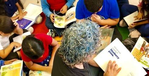 This Teacher Dyed His Hair Blue After His Students Read 400 Books in One School Year