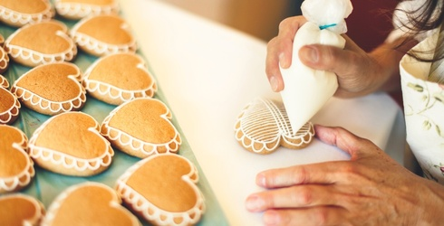 These Cookie Decorating Videos Are the Most Satisfying Thing You'll See All Day