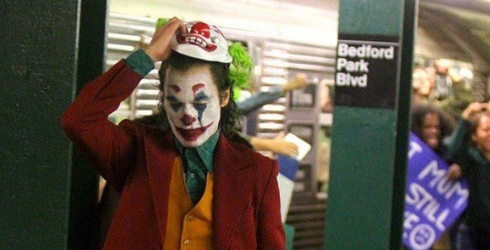 NYC Subway Riders Came Face-to-Face With the Joker as Joaquin Phoenix Debuted His Full Costume