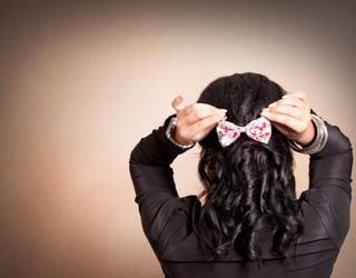 Tie Your Hair up and Find the Pairs of Bows in This Memory Match