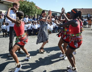 Meghan Markle Kicks off South African Tour With a Dance