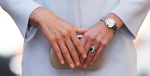 """Diana's Sapphire Ring Makes in Appearance in the Latest Photos From """"Spencer"""""""