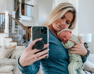 Already Famous: Between Loose Teeth, Football Games and Breastfeeding, Parents Never Rest!