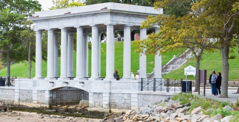 Tuesday's Waste of Time Travel: Plymouth Rock Is -- Plot Twist! -- a Literal Rock