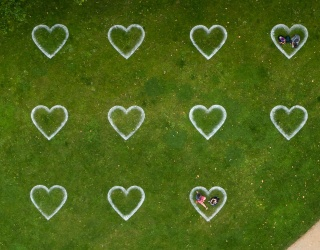 This Social Distance Puzzle Makes the Heart Grow Fonder