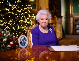 """The Queen Commends """"Indomitable Spirit"""" in Her Christmas Broadcast"""
