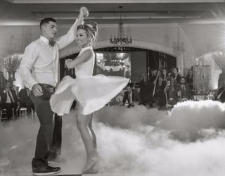 """Couple Performs Iconic """"Dirty Dancing"""" Scene at Wedding Reception, Crushes It"""